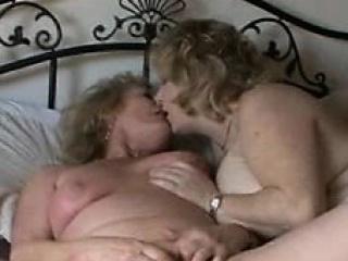 Free Lesbians tubes